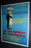 Carte Postale : Les Parapluies De Cherbourg (affiche, Film, Cinéma) Jacques Demy - Catherine Deneuve - Affiches Sur Carte