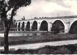 82 - MOISSAC : Pont Napoléon - CPSM Dentelée Noir Blanc GF 1960 - Tarn Et Garonne - Moissac