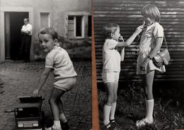2 Photos Originales Jeu & Jouet & Enfants Terribles, Camion En Bois Et Crocodile Pour Faire Peur à Sa Soeur En Mini Jupe - Objects