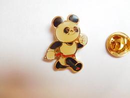 Beau Pin's , Mascotte Panda , Japan Games , Athlétisme - Athletics