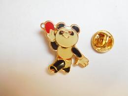 Beau Pin's , Mascotte Panda , Japan Games , Tennis De Table - Table Tennis