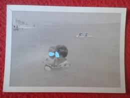 ANTIGUA FOTOGRAFÍA FOTO OLD PHOTO PLAYA MAR SEA PLAGE ? GRUPO DE PERSONAS EN EL AGUA BAÑISTAS SPAIN ? FRANCE ? VER FOTO - Personas Anónimos
