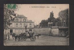 CPA . Dépt.95. EAUBONNE-ERMONT . La Gare , Calèches . - Eaubonne