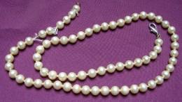 MW. 194. Collier De Perles - Necklaces/Chains