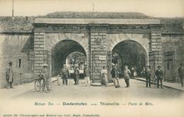 57  THIONVILLE  / Porte De Metz / - Thionville