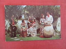 Beautiful Senoritas & Handsom Caballeros -- Ref 3040 - America
