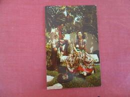 Beautiful Senorita & Handsom Caballero -- Ref 3040 - America