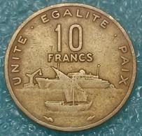 Djibouti 10 Francs, 1983 -4265 - Djibouti