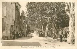 WW 84 ANSOUIS. Camion Ancien Sur Le Boulevard à L'Entrée Du Village 1942 - Ansouis