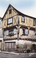 CPA 16 COGNAC Maison De Bois Du XV° Siécle N° 27-204 édit: GILBERT - Cognac