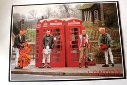 LONDON MUSICIENS PUNK  CABINES TELEPHONIQUES - Musique