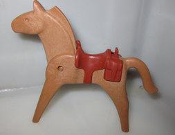 GEOBRA PLAYMOBIL 1974     CON SELLA - Playmobil