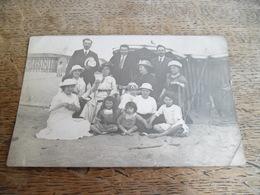 CPA Photo Famille Sur La Plage Daté Et Marqué Deauville 1913 - Deauville