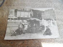 CPA Photo Famille Sur La Plage Daté Et Marqué Deauville 1909 - Deauville