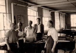 Photo Originale Musique, Accordeurs De Piano à L'Ateleir En Réunion Pour Pianos à Queue Et Demi-queue Vers 1940 - Métiers