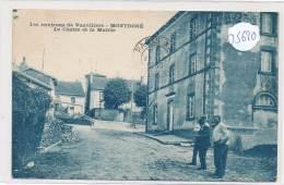 CPA- 35620-70-Montdoré -Le Centre Et La Mairie - France