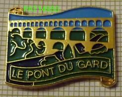 LE PONT DU GARD - Villes