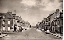 50 BARFLEUR  Le Bpurg Vers Le Port - Barfleur