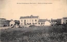 43-SAINT-JEAN-D'AUBRIGOUX- MAIRIE ET GROUPE SCOLAIRE - France
