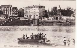 14 TROUVILLE -- Le Bac -- Belle Animation  N° 268 - Trouville