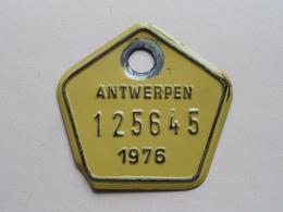 FIETSPLAAT / PLAQUE Vélo ( Antwerpen Nr. 125645 ) Anno 1976 ( België ) ! - Placas De Matriculación