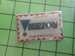 313j Pin's Pins / Beau Et Rare : Thème TIMBRES / TIMBRE-POSTE SOCIETE PHILATELIQUE DE VIERZON - Mail Services