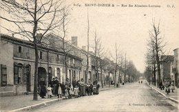 CPA - SAINT-DIZIER (52) - Aspect De La Route Des Alsaciens-Lorrains En 1917 - Saint Dizier