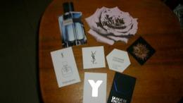 Cartes Parfumées Yves Saint Laurent   Lot De 8 Cartes Parfumées Différentes Dont 1 Avec Touch - Modern (from 1961)