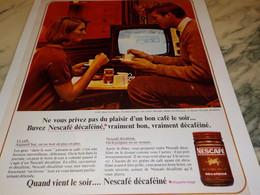 ANCIENNE PUBLICITE PLAISIR D UN BON CAFE LE SOIR  NESCAFE DECAFEINE  1965 - Posters