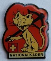 CHAT AVEC UNE ARBALETE - NATIONALKADER - SCHWEIZ - SUISSE - SWISS   -                 (BRUN) - Archery