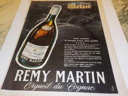 ANCIENNE PUBLICITE COGNAC REMY MARTIN 1955 - Alcools