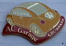 VOLKSWAGEN - COCCINELLE - VW JAUNE - YELLOW CAR - AU GARAGE GROSSSSSS - ADLISWIL - SUISSE - SWISS - CAR   -    (BRUN) - Volkswagen