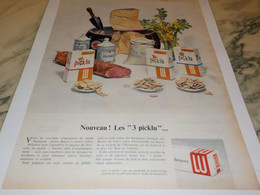 ANCIENNE PUBLICITE BISCUIT LES 3 PICKLU  LU 1955 - Posters