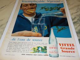 ANCIENNE PUBLICITE EAU VITTEL GRANDE SOURCE 1959 - Posters