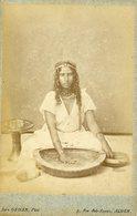 ALGERIE - Kabyle Fabriquant Du Couscous - Carte CABINET - Photographe Jean GEISER - Circa 1880 - Afrique