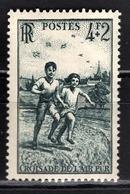 FRANCE 1945 - Y.T. N° 740  -  NEUF** - Unused Stamps