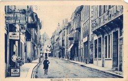 Carte Postale De Montréjeau:  La Rue Dubarry; A Voir - Montréjeau