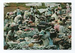 Postcard 1960 Years SÃO TOMÉ E PRINCIPE AFRICA Ethnic Scene Washerwoman - Sao Tome Et Principe