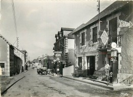 19 , SOURSAC , Rue Principale , Garage Pub Essence Caltex , * M 19 70 - France
