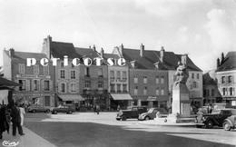 45  Pithiviers  Commerces  Place Du Martroi  (csm) - Pithiviers