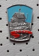 SPICKA Mountain Lodge Alpinism, Mountaineering, Slovenia Pin - Alpinism, Mountaineering