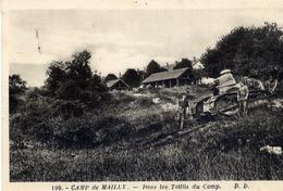 10 MAILLY-LE-CAMP - Dans Les Taillis Du Camp - Char D'assaut - Mailly-le-Camp