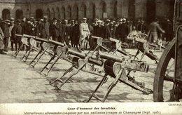PARIS - 75 - Cour D'Honneur Des INVALIDES - Mitrailleuses Allemandes Conquises En Champagne - Material
