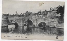 AMIENS - N° 79 - LE PONT BARABAN AVEC PERSONNAGES SUR BARQUE - CPA NON VOYAGEE - Amiens