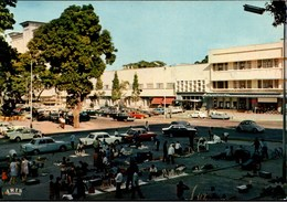 ! Ansichtskarte Kinshasa, Congo, Kongo, Elfenbeinhändler, Autos, Cars, VW Käfer, Citroen DS, Voitures, PKW - Kinshasa - Leopoldville