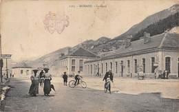 """0239 """"1565 MODANE - LA GARE"""" ANIMATA, BICICLETTE, CARTELLONE PUBBLICITARIO TEATRO. CART SPED 1907 - Modane"""