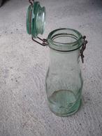 UNE ANCIENNE BOUTEILLE   BOCAL LA LORRAINE - Glass & Crystal