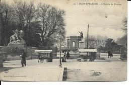 34 - Montpellier - L'entrée Du Peyrou (2 Camelots Ambulants) - Montpellier