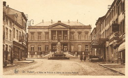 SAINT-HUBERT - L'Hôtel De Ville Et La Statue Du Peintre Redouté - N'a Pas Circulé - Thill - Saint-Hubert