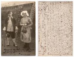 976, Eure, Pitres, Carte Photo, Souvenir De La Mascarade Du 26 Février  1922, Devant La Sallle  De L'ASP, Expéditeur Oli - France